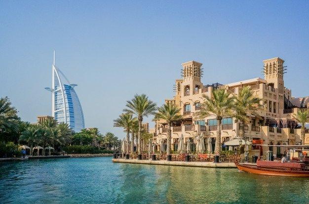 How did Dubai influencers emerge?